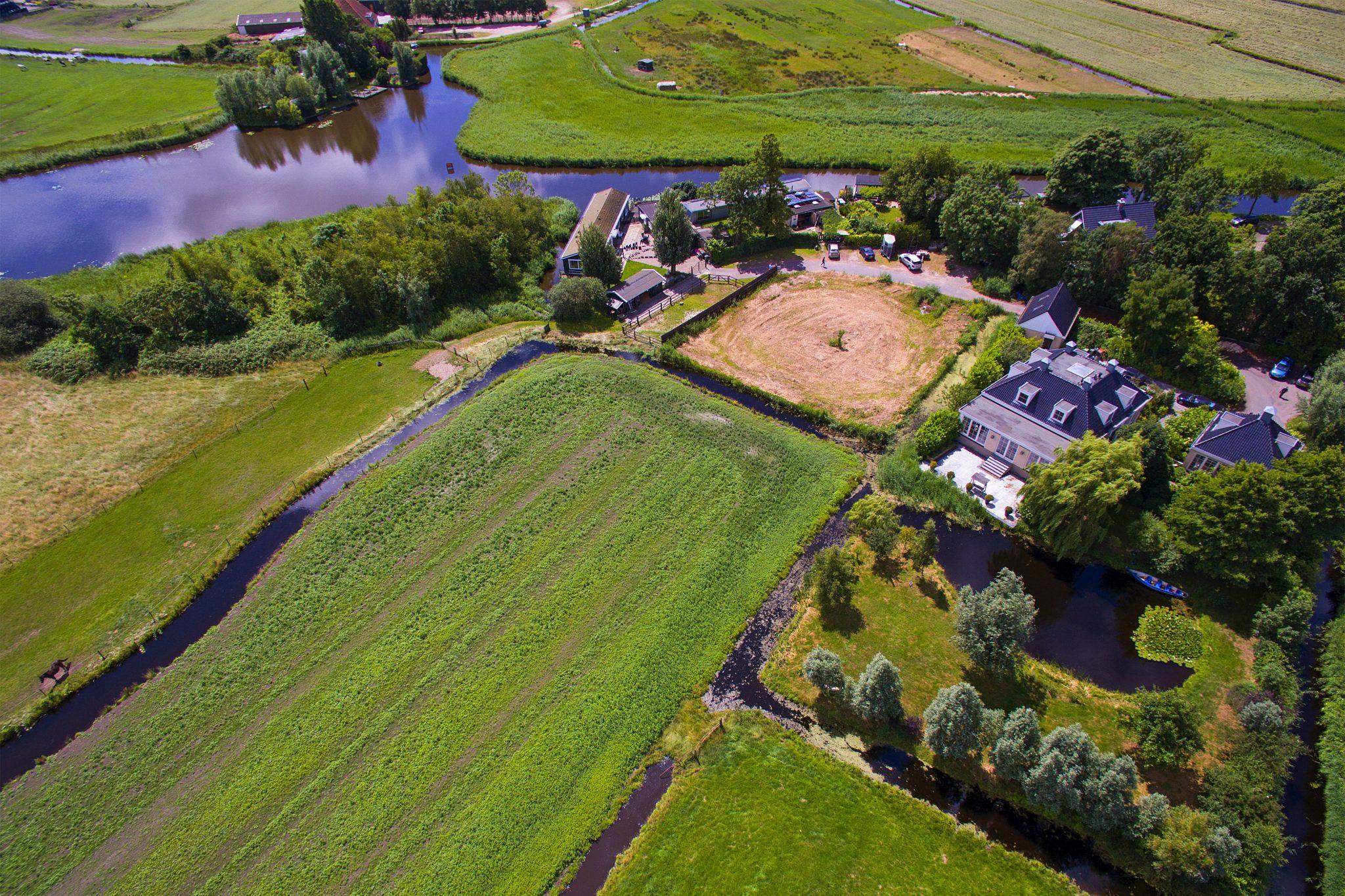Hoofdfoto Molengouw  Broek in Waterland drone